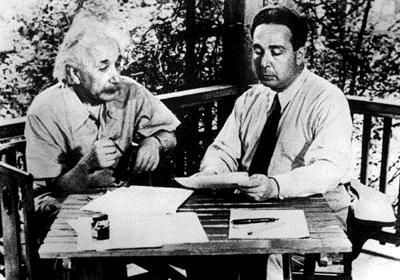 EinsteinSzilard