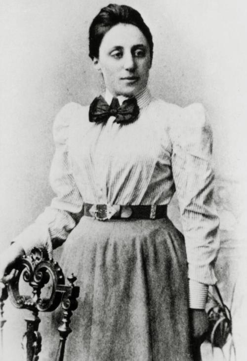 Matematikçi Emmy Noether fiziğe yeni bir yaklaşımın temellerinin atılmasına yardımcı oldu. Manevi Kredi: Science Photo Library/Getty Images